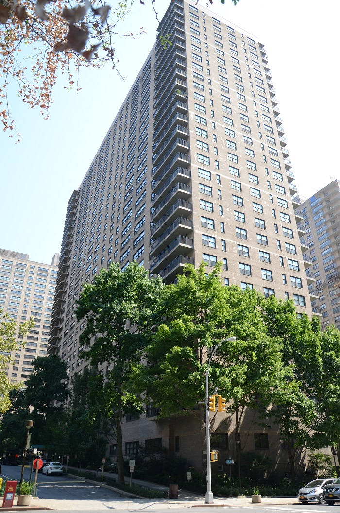 150 WEST END AVENUE, Upper West Side, $249,000, Web #: 911592