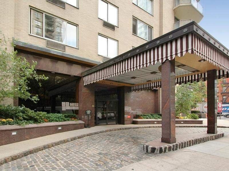 300 EAST 74TH STREET 23G, Upper East Side, $1,415,000, Web #: 2257375